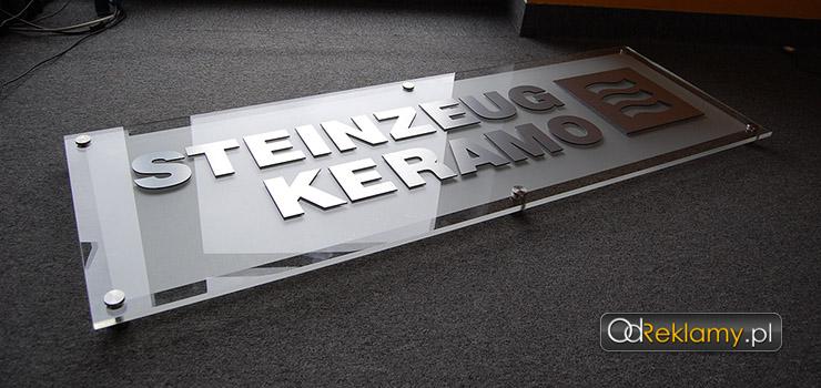 Ekspozytor logo do biura nad recepcję