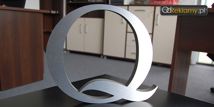 litery przestrzenne z aluminium