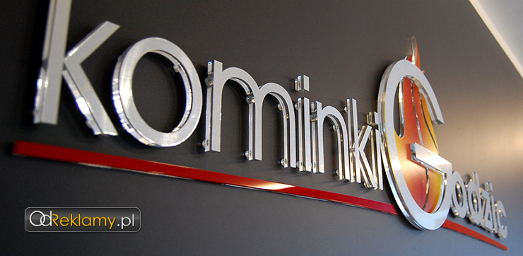 Logotyp do środka, litery z pleksy